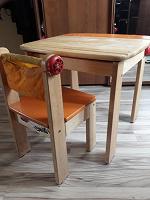 Отдается в дар Парта и стульчик для дошкольника