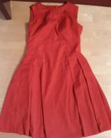 Отдается в дар Красное платье 50 размер