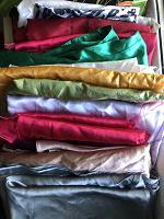 Отдается в дар Атласная ткань для рукоделия