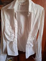 Отдается в дар женская блузка 40 размера