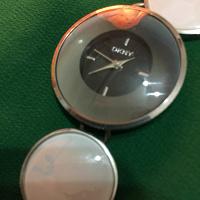 Отдается в дар Часы женские DKNY.
