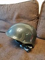 Отдается в дар Шлем лыжный
