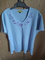 Отдается в дар Блузка женская голубая размер XL