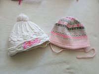 Теплые шапочки на девочку на 0-3 мес.
