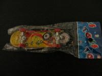 Отдается в дар Доска мини игрушка палец.