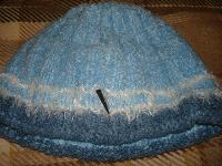 Отдается в дар Женская шапка