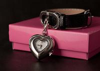 Отдается в дар Часы в форме сердца