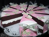 Отдается в дар Бумажный торт-сюрпирз