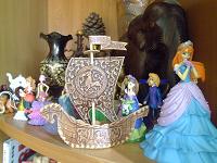 Отдается в дар Сувенирный кораблик из Новгорода