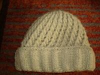 Отдается в дар осталась зеленая шапка