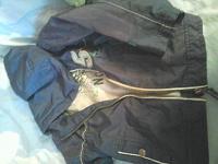 Отдается в дар 2 курточки и кофта на 1,5 -2 года