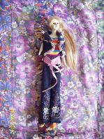 Отдается в дар кукла керамическая ждёт спасателя