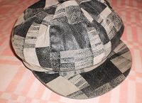 Отдается в дар шапочки… зима