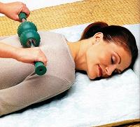 Отдается в дар расслабляющий и тонизирующий массаж.