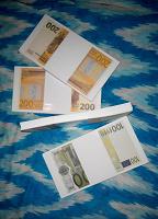 Отдается в дар Сувенирные деньги в коллекцию, на ХМ или для игры деткам
