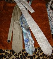 Отдается в дар галстуки мужские шелк