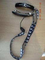 Отдается в дар Заколочки и шнурок для телефона