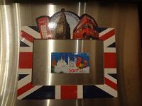 Отдается в дар фоторамка-магнит из Англии