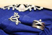 Отдается в дар Серебряные кольца, янтарные серьги, гламурная фоторамка