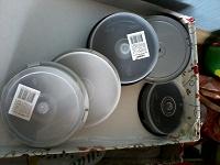 Отдается в дар Коробочки для хранения дисков (7 штук)