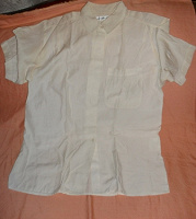 Отдается в дар белая блузка 42 р-р