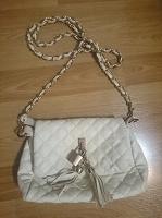 Отдается в дар Маленькая белая сумочка