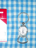 Отдается в дар Сувенирная открывалка для пыва из Парижа