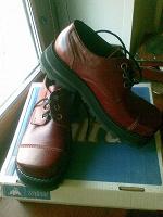 Отдается в дар Оригинальные мужские ботинки, 42-й р-р