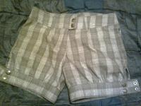 Отдается в дар Клетчатые шорты 42-44 и юбка 46 размер