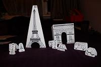 Отдается в дар Картонный Париж! Для романтиков… или родителей.