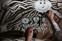 Отдается в дар ❤ Мои руки и SAND ART (песочная анимация)