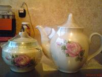 Отдается в дар Набор из сахарницы и чайника
