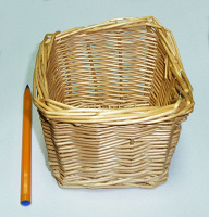Отдается в дар Корзиночка маленькая плетеная на ХМ