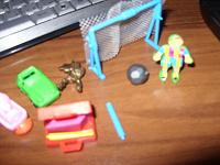 Отдается в дар игрушки типа киндеров