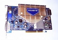 Отдается в дар Видеокарта GeForce 7600GS AGP 256Мб