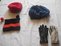Отдается в дар Шапко, шапко и перчатки:)