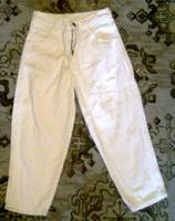 Отдается в дар джинсы белые для мальчика
