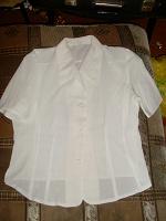 Отдается в дар Белые блузки.