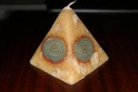 Отдается в дар Свеча пирамида