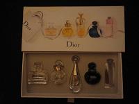 Отдается в дар маленькие пустые флакончики от Dior