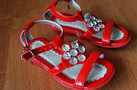 Отдается в дар Обувь для маленькой модницы