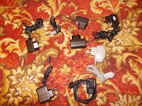 Отдается в дар Зарядные устройства для мобильных телефонов.