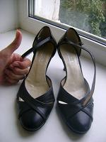 Отдается в дар Женские туфли 36-го размера