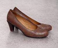 Отдается в дар Туфли munz shoes на устойчивом каблуке 38 р.