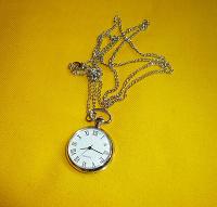 Отдается в дар Часы кулон
