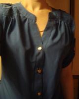 Отдается в дар Блузка-рубашка женская синяя. Р. 44