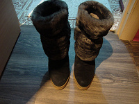 Отдается в дар Сапоги на каблуках с мехом 38-38.5