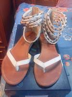 Отдается в дар Летние сандалики 39 размер