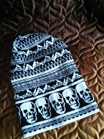 Отдается в дар Зимняя шапка черепа