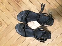 Отдается в дар женские летние сандали